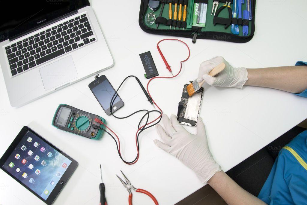 Выполнение ремонта техники Apple в сервисном центре