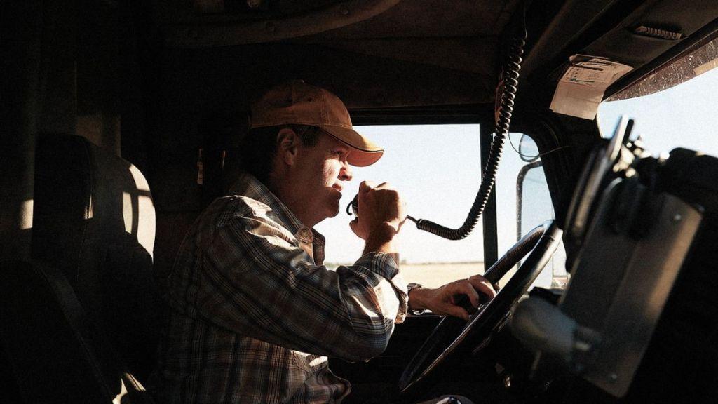 Рация для дальнобойщиков – гарантия связи в любой момент