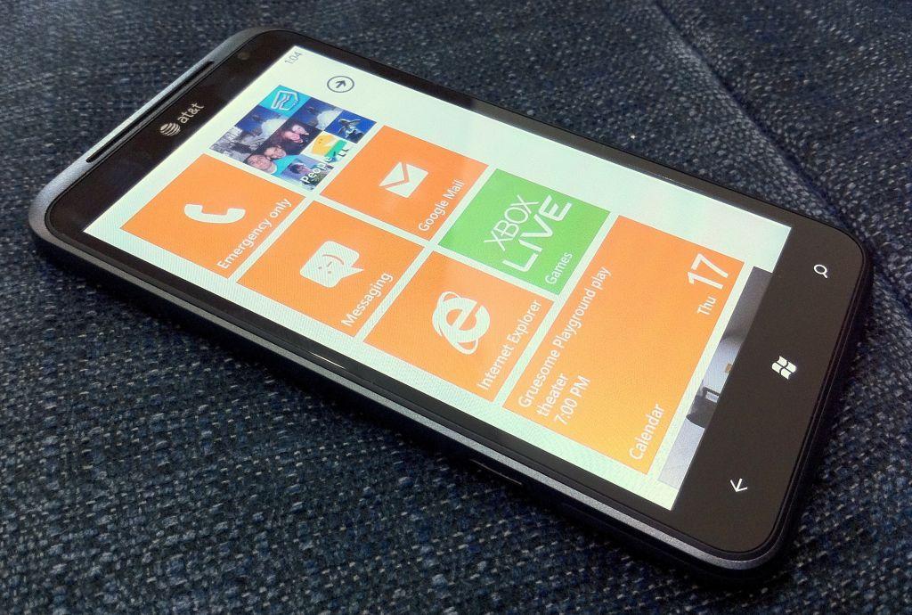 Смартфоны с ОС Windows Phone 7.5 Mango - красивые слова или красивые смартфоны?