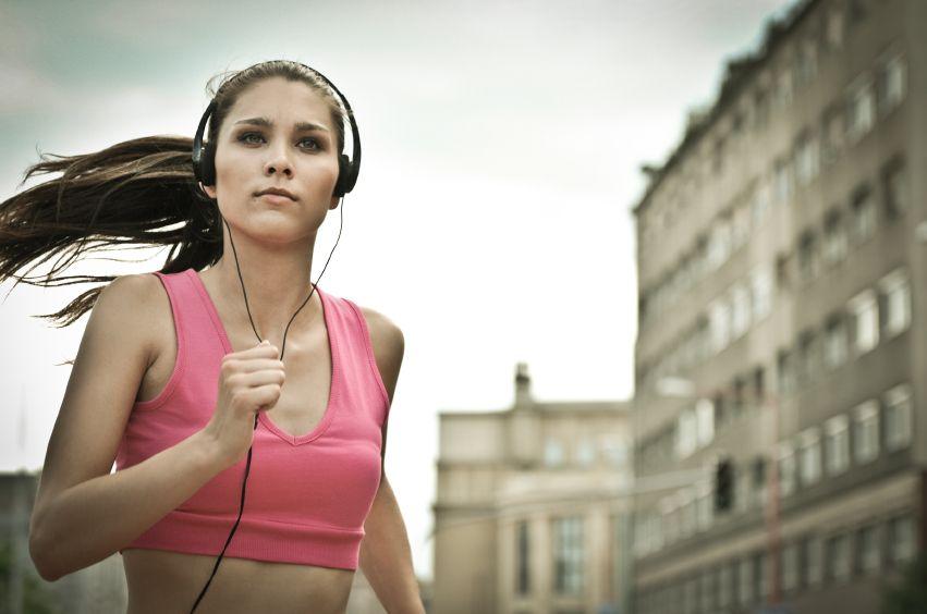 Обзор спортивных наушников для бега и спорта