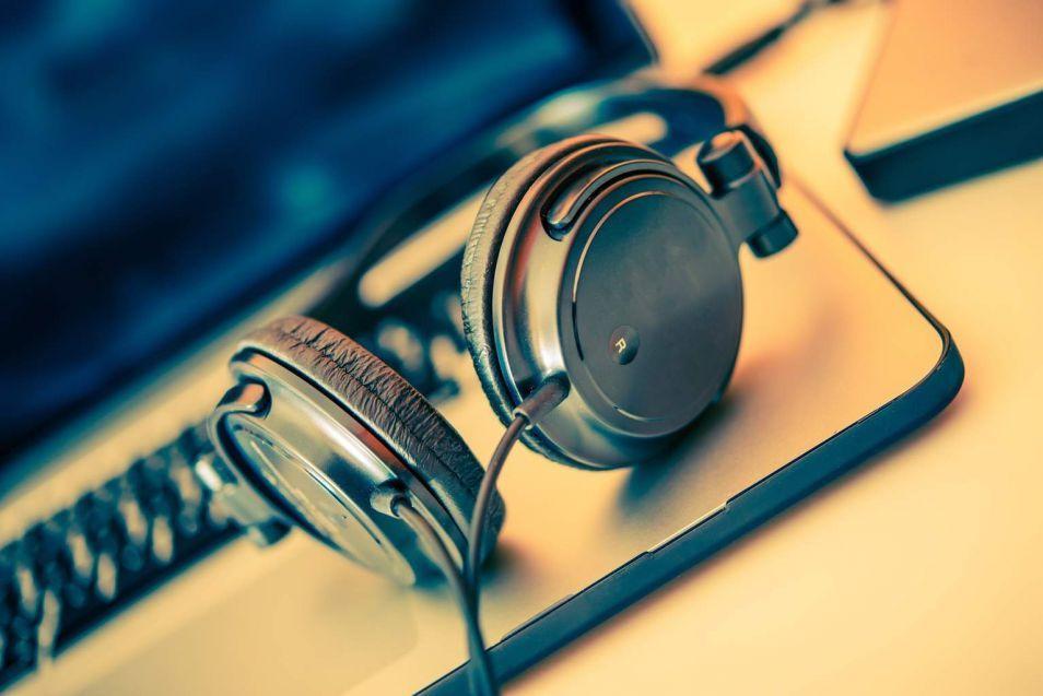 Как скачать музыку в интернете: 4 способа