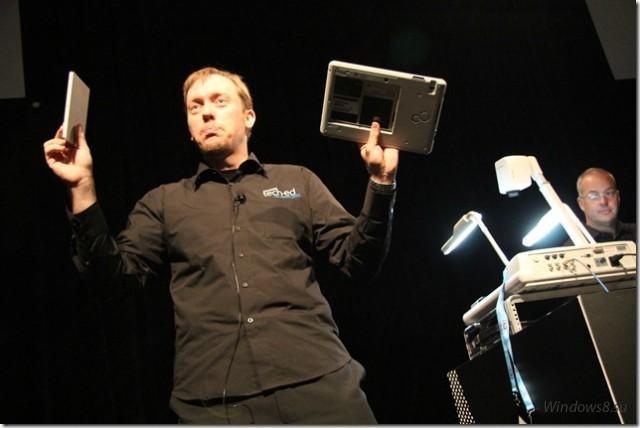 ноутбук и планшет с Windows 8 на конференции tech-ed