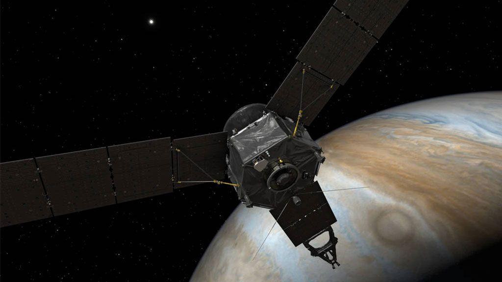 КА «Juno» начал своё пятилетнее путешествие к Юпитеру