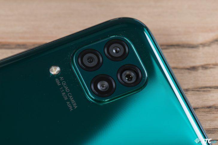 Смартфон Huawei P40 lite
